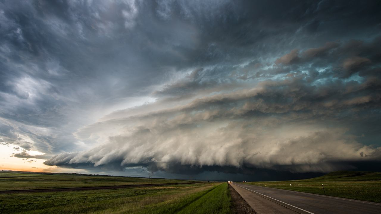 6 things you should never do at home during severe weather
