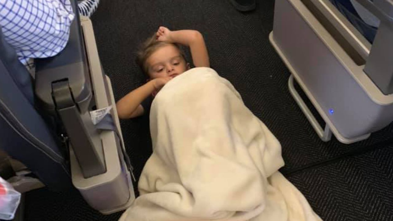 Mother travelling with autistic child touched by airline's moving gesture