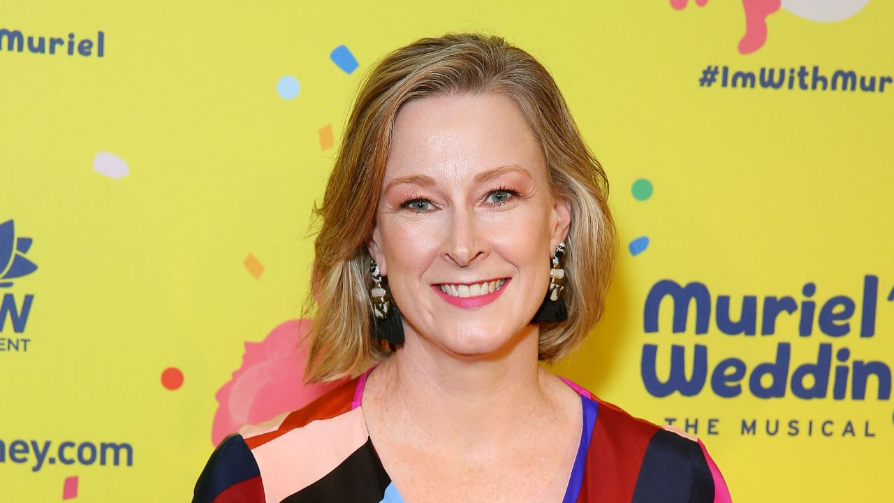 """""""Intolerable"""": Leigh Sales speaks up about unwanted onstage kiss"""