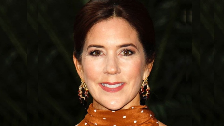 Spotted! Princess Mary steps out in stunning polka dot gown