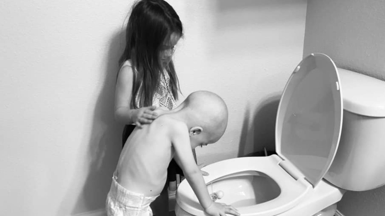"""""""This is childhood cancer"""": Mum pens powerful post about the realities of deadly illness"""