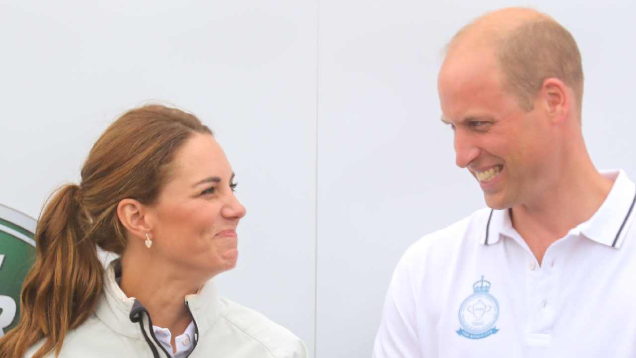 Never-before-seen photograph of loving Prince William and Duchess Kate goes viral