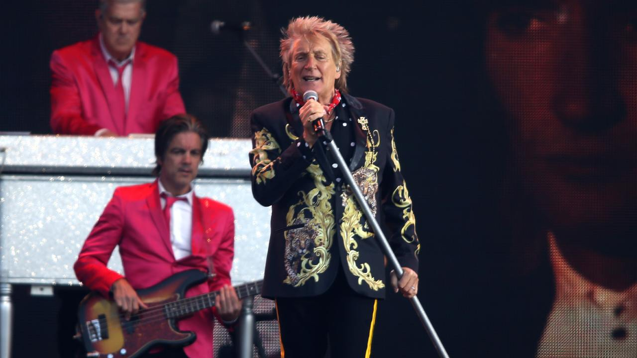 """""""It's time to come out of the closet"""": Rod Stewart reveals prostate cancer diagnosis"""