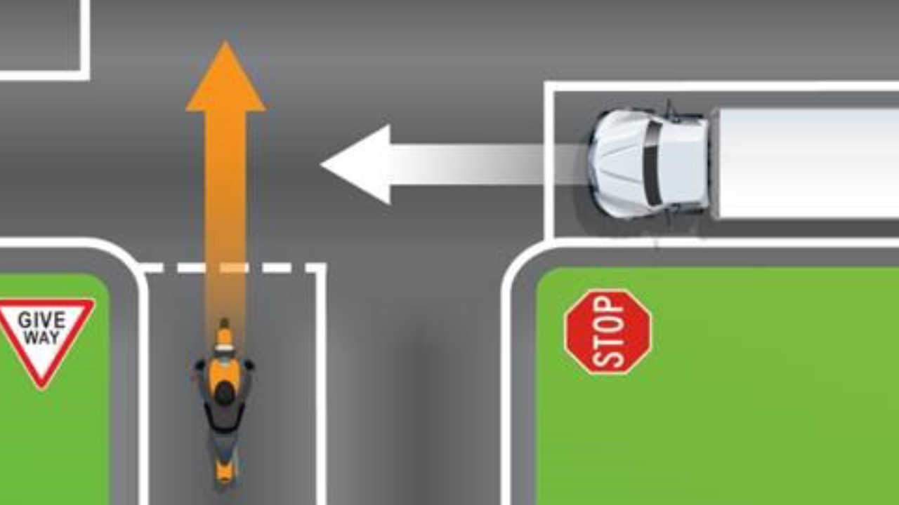 """""""I never knew this"""": Simple road rules quiz sparks debate amongst drivers"""