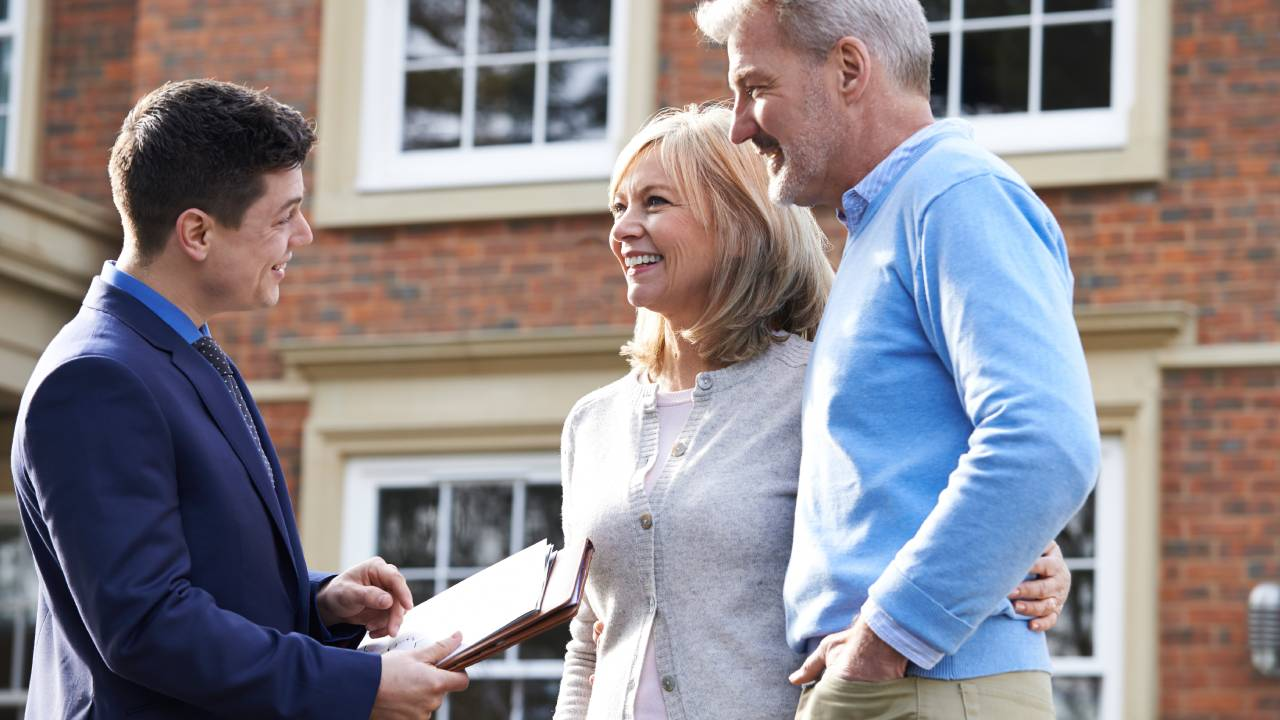 7 expert tips for selling your property