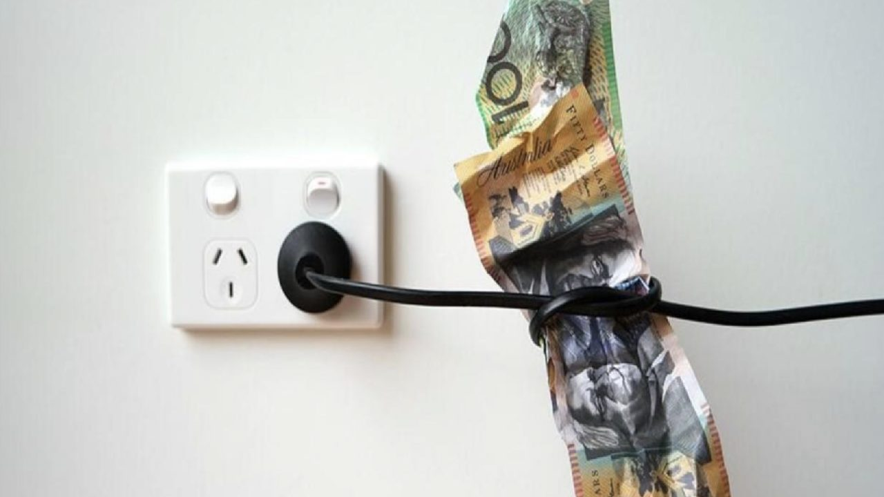Thousands of Aussies ditching big energy companies for ...