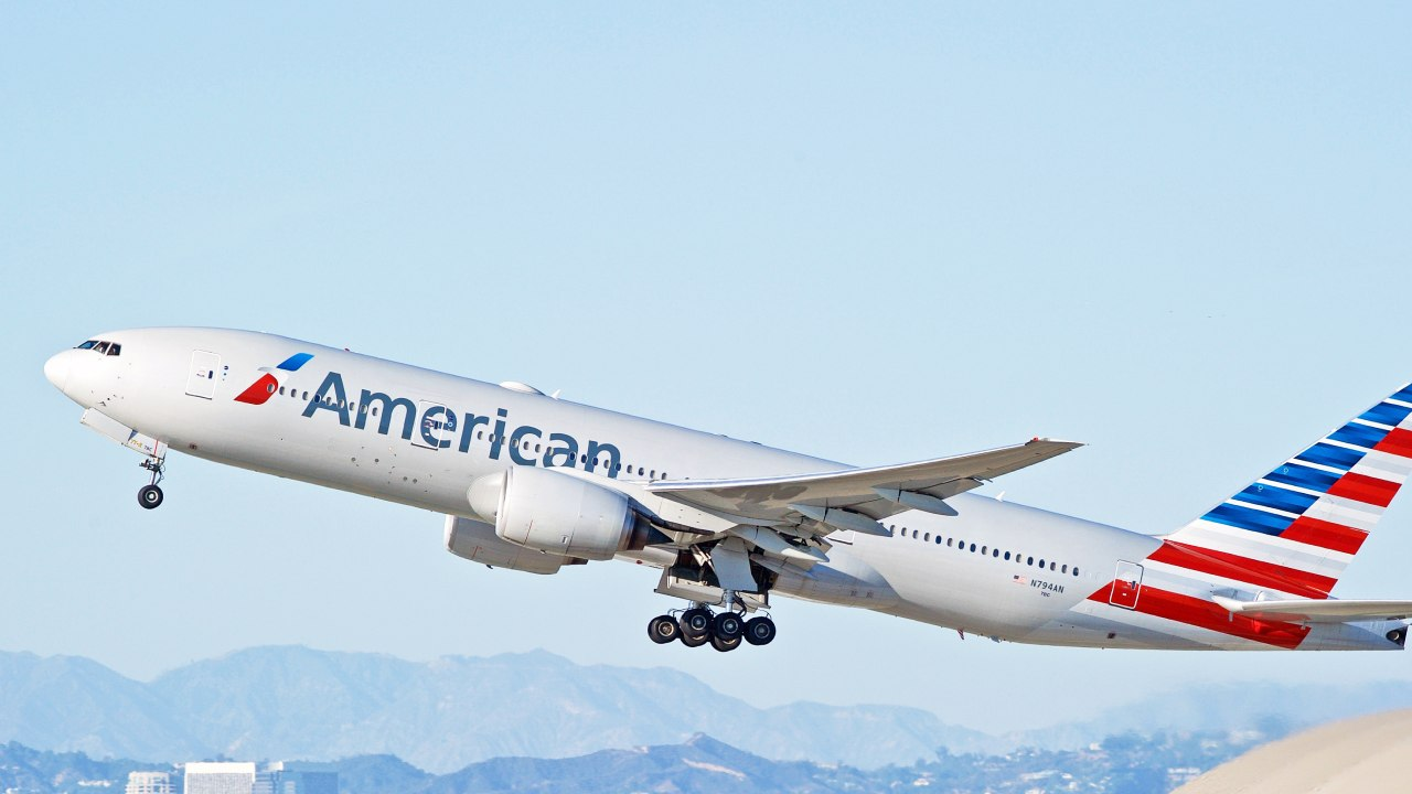"""US flight returns to airport after passenger """"fakes illness to get better seat"""""""