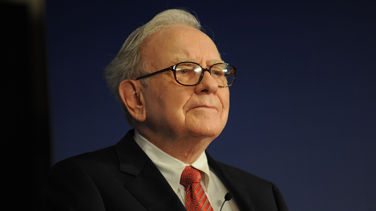 Warren Buffett sits out a deal to acquire Tiffany & Co