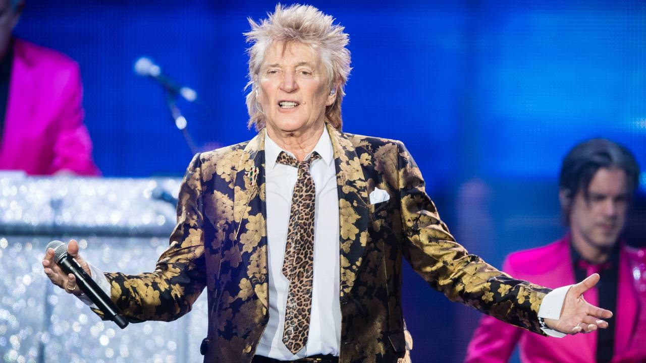 Rod Stewart charged after allegedly punching a security guard on NYE
