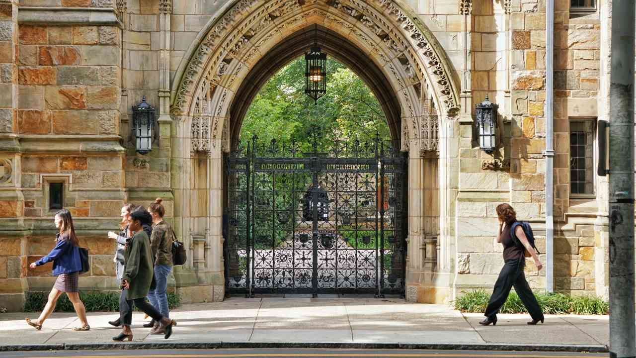 How to take Yale's personal happiness online course for free