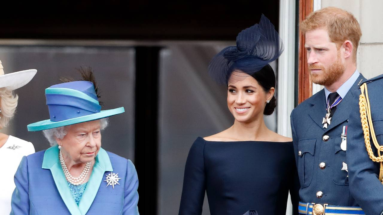 """""""They've made it clear"""": Queen reacts to Harry and Meghan's wish to step down"""