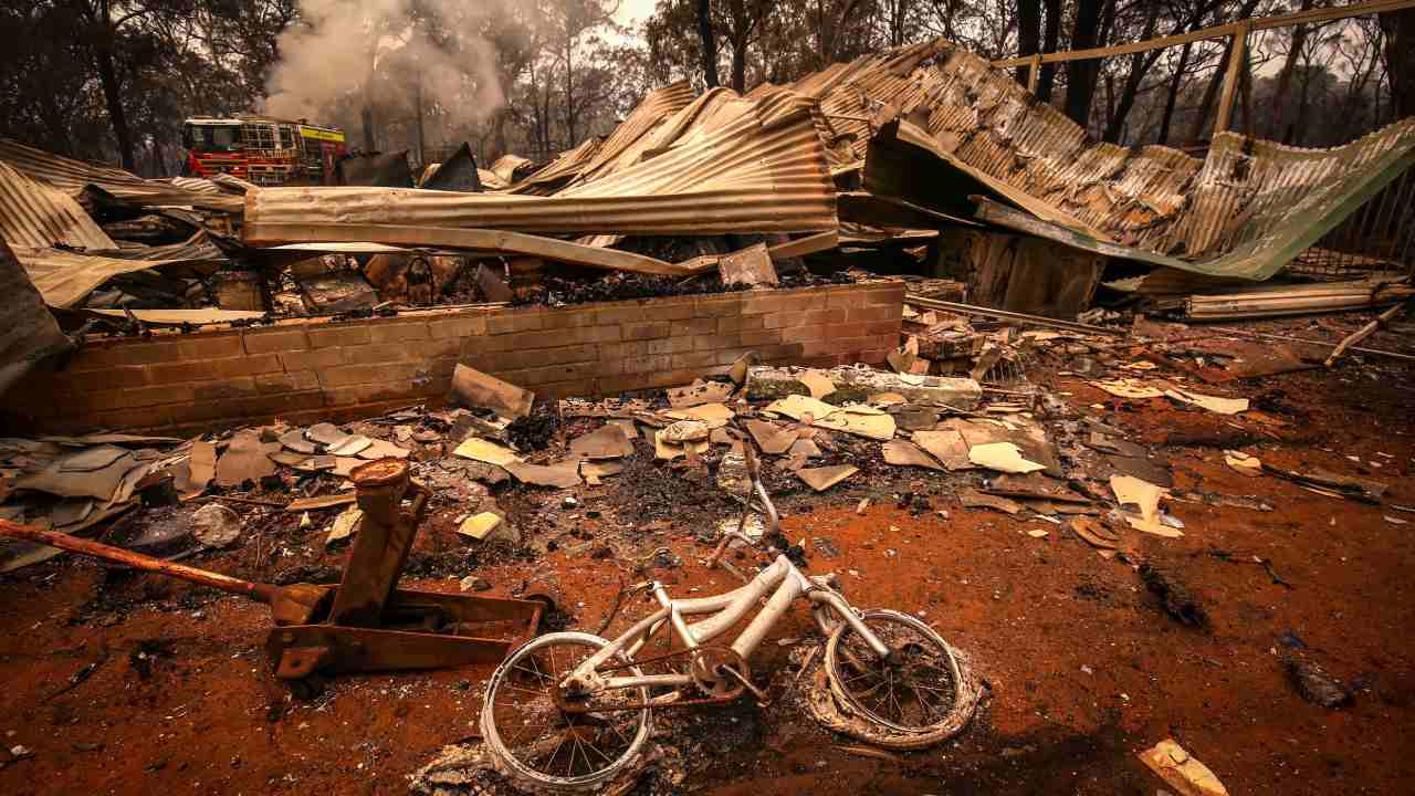 Australian building codes don't expect houses to be fire-proof