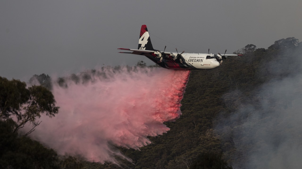 """""""Ball of flames"""": Firefighter's distress call after watching waterbomber plane crash"""