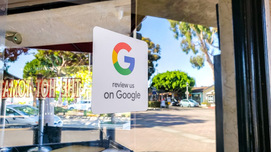"""Woman ordered to pay $530,000 for """"plainly untrue"""" google review"""