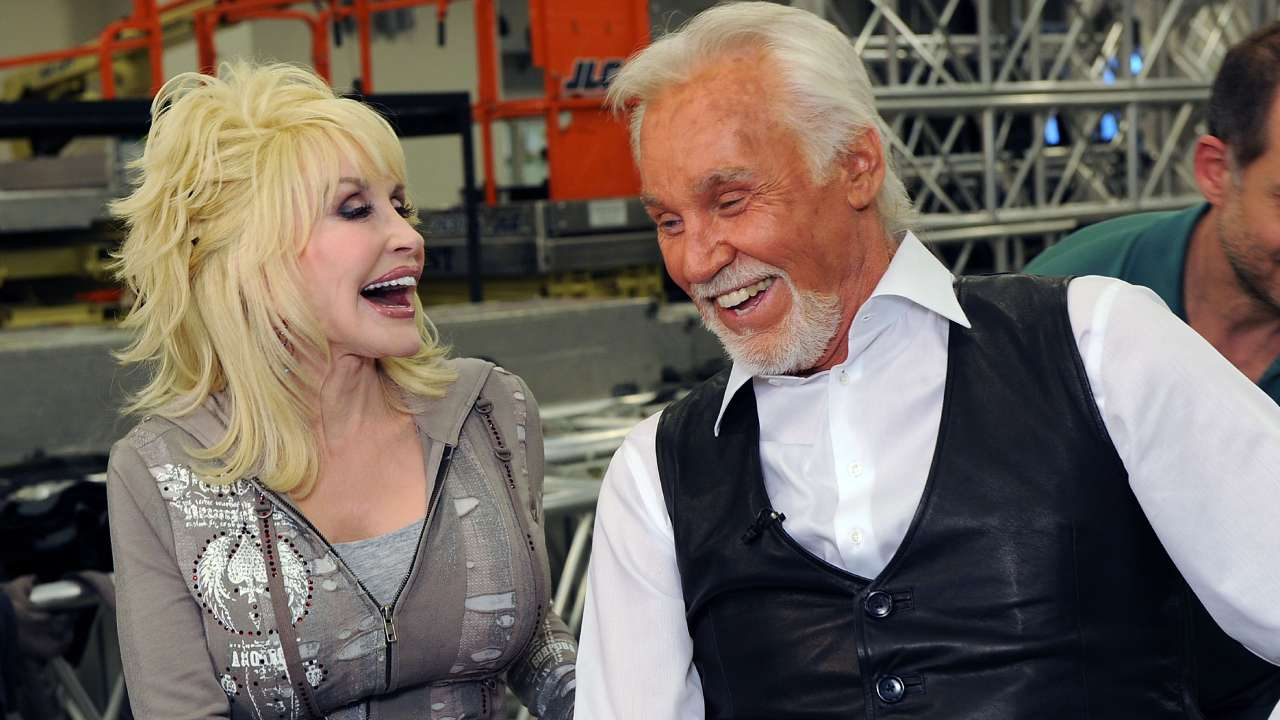 Dolly Parton and others post heartfelt tributes to Kenny Rogers