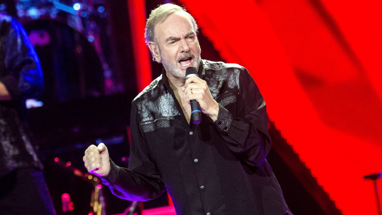 Neil Diamond reworks 'Sweet Caroline' to encourage hand washing
