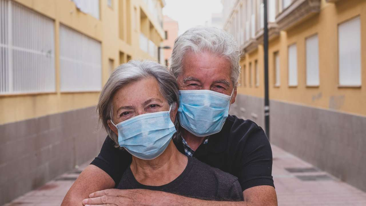 DIY coronavirus masks: Are they doing more harm than good?