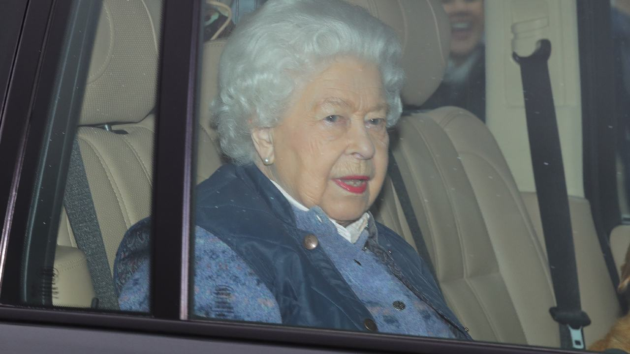 "Queen Elizabeth stepping back from royal duties ""indefinitely"""