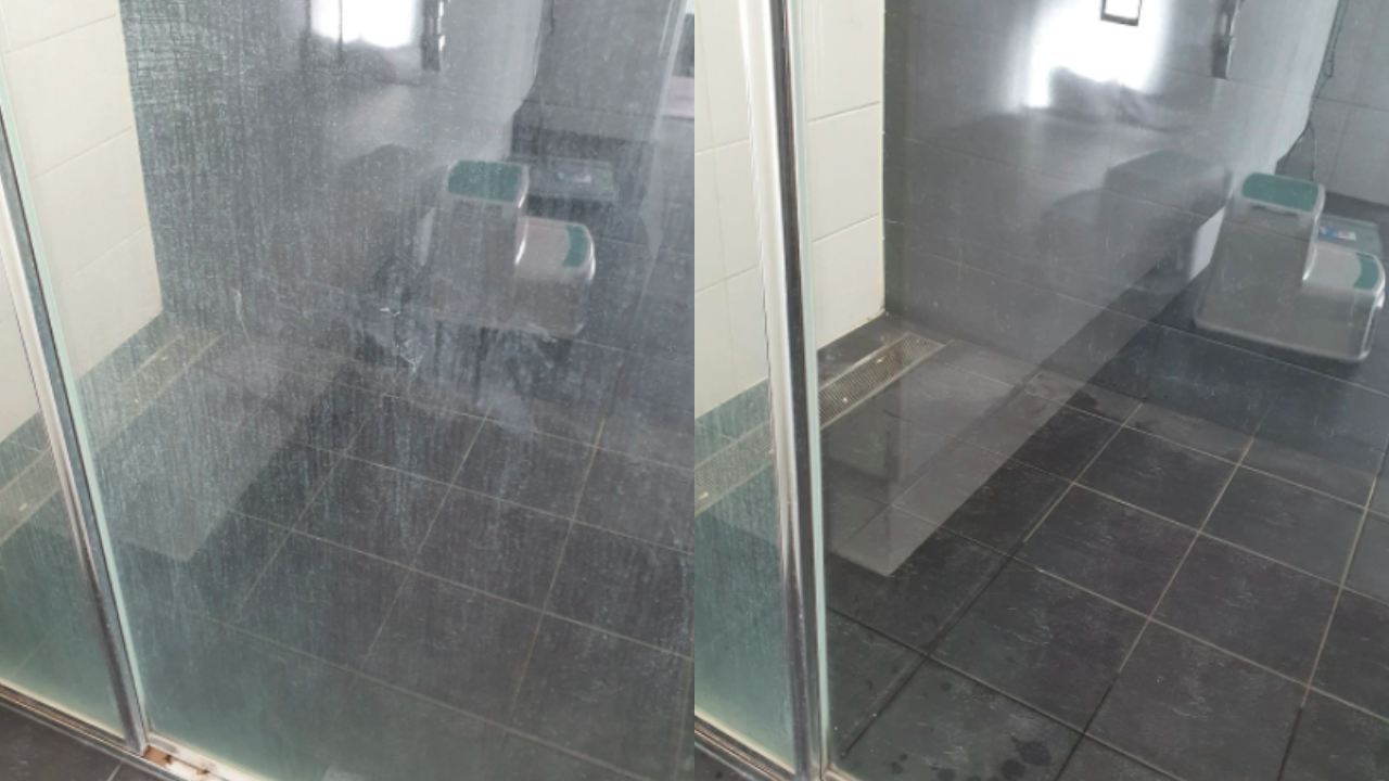 """Works awesome!"": New cleaning hack will get rid of tough shower stains"