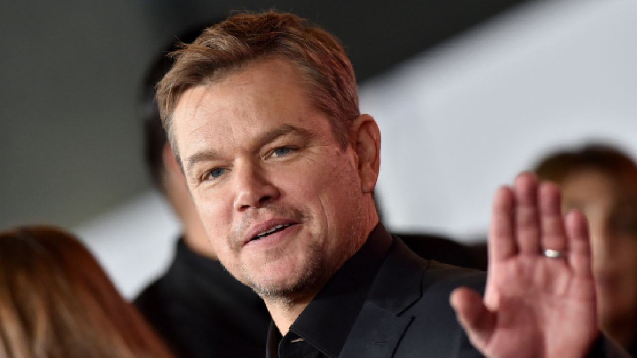 "Irish locals ""protecting Matt Damon like a glorious gem"""