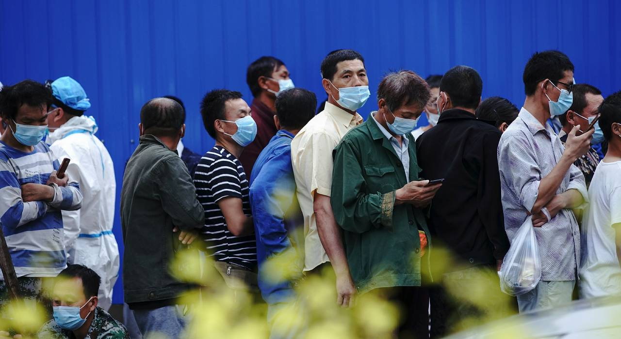 Frozen food contamination fears as Beijing market outbreak grows