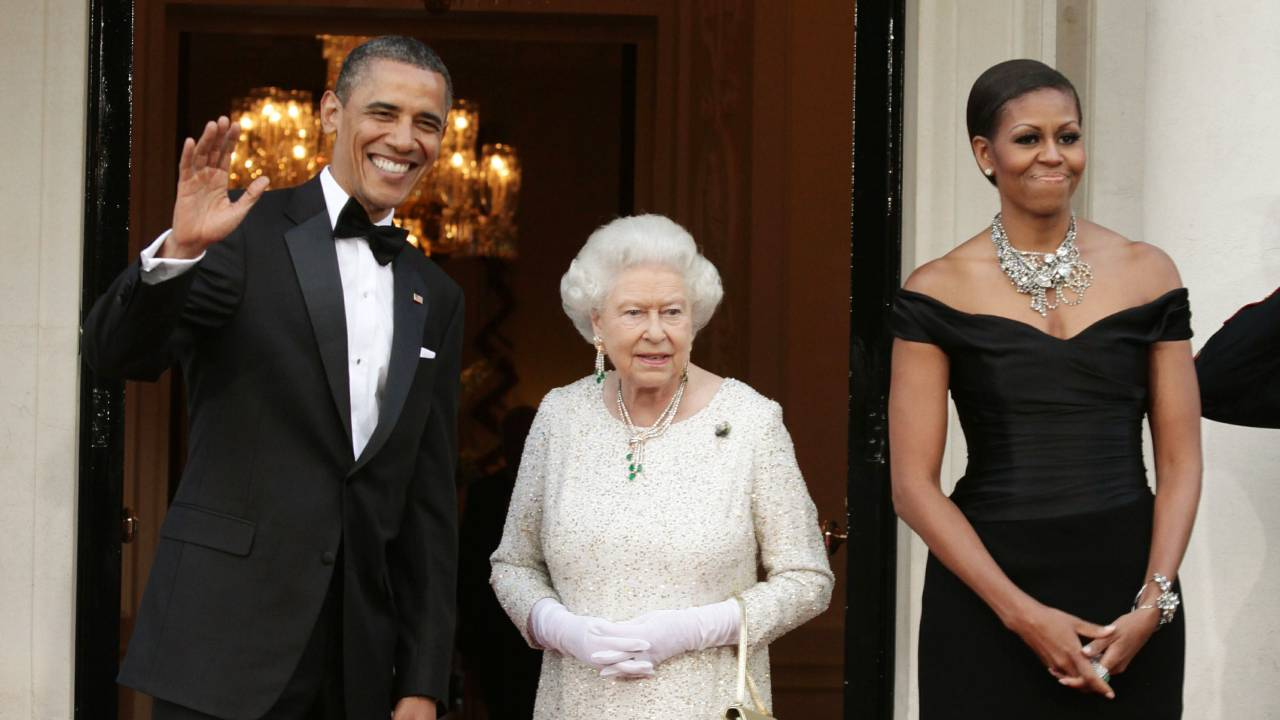 The touching gift from Obama that moved the Queen to tears