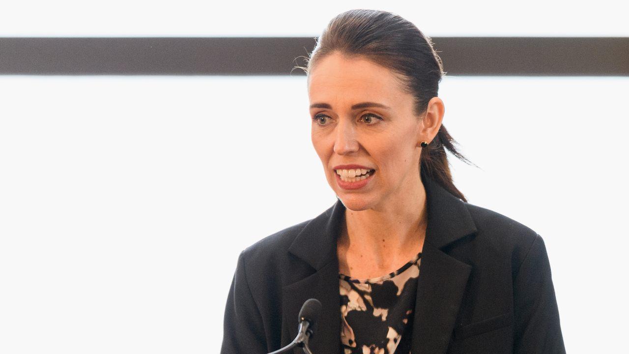 """""""Bungling idiots"""": Jacinda Ardern's bad week with press"""