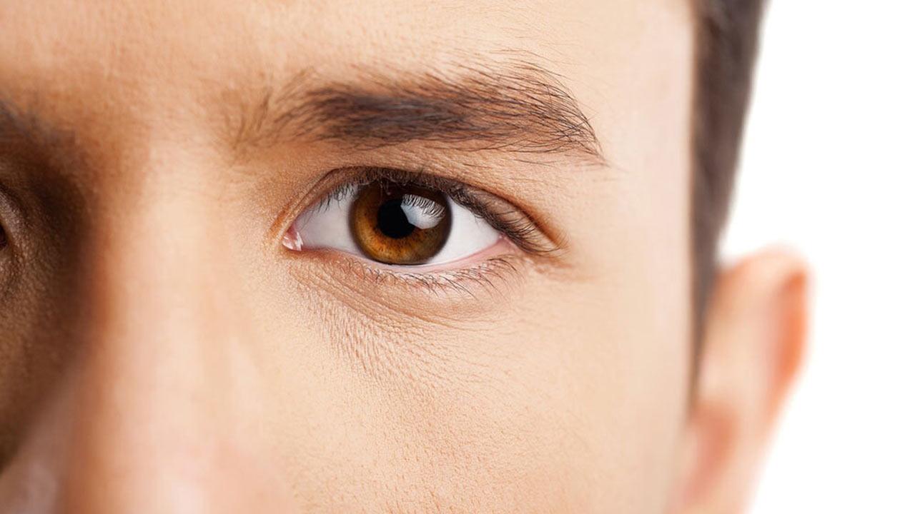 Dark eyes: May drink less alcohol