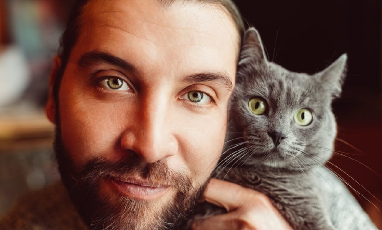 We studied what happens when guys add their cats to their dating app profiles