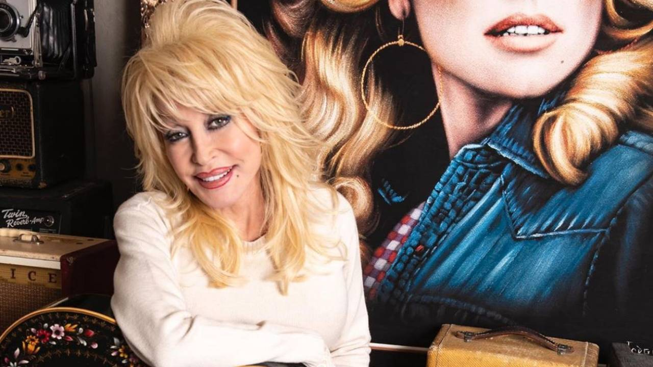 Dolly Parton sets the record straight on tattoo rumours