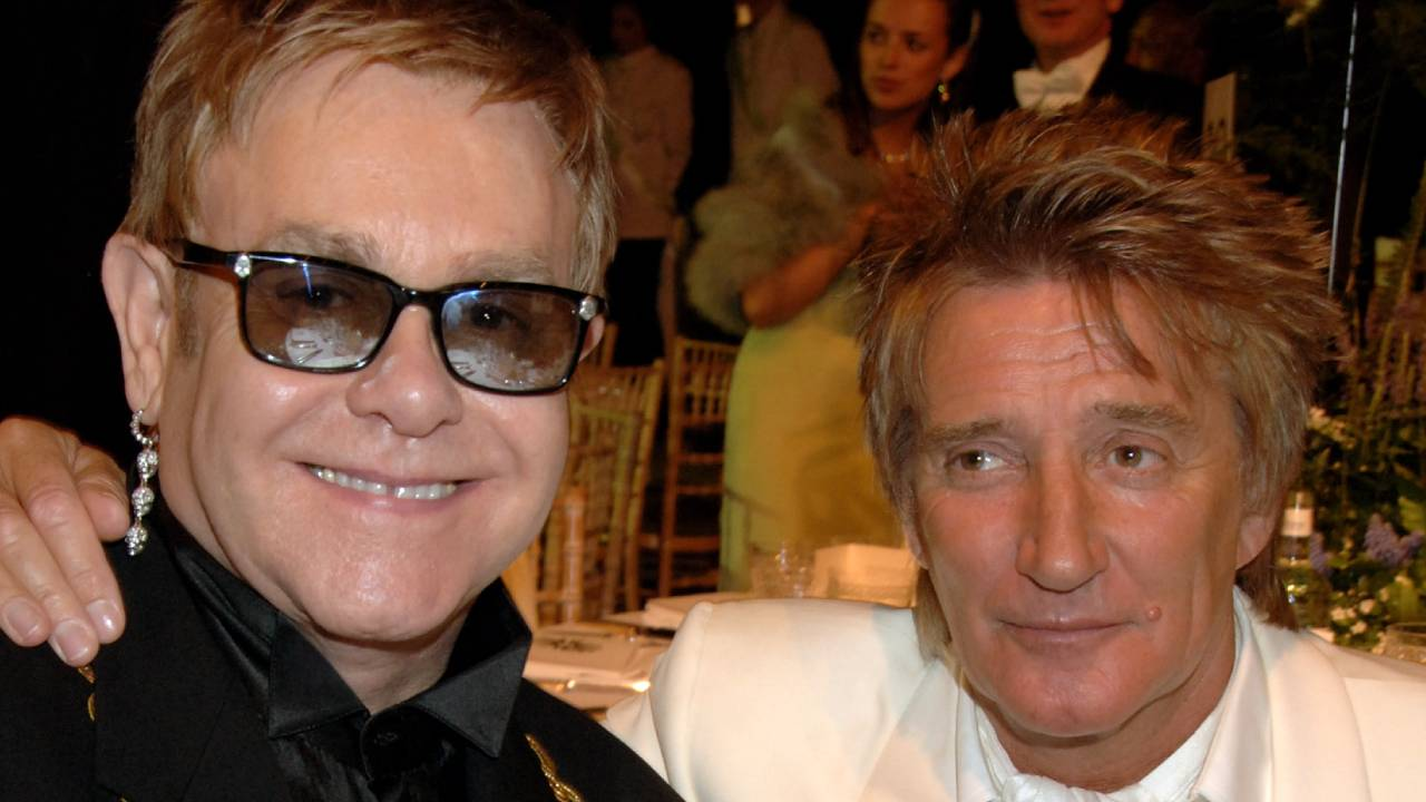 "Rod Stewart reveals ""big falling out"" with Elton John"