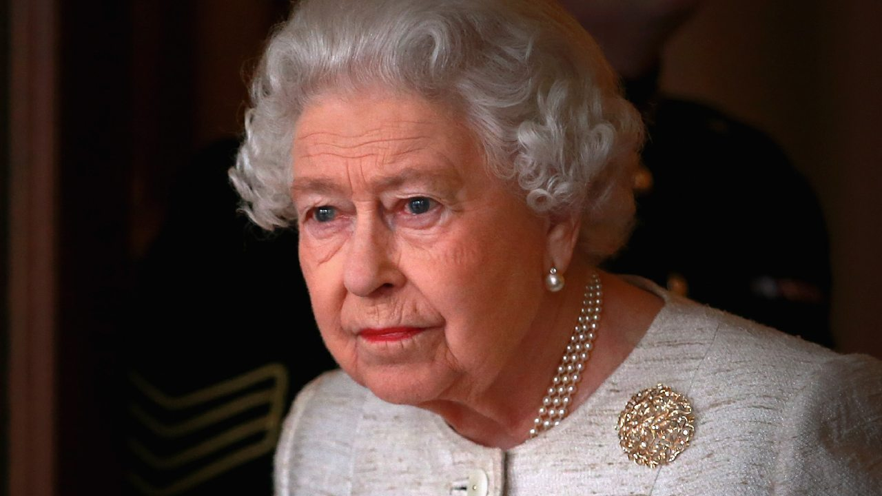 "Queen ""disappointed"" at Harry and Meghan"