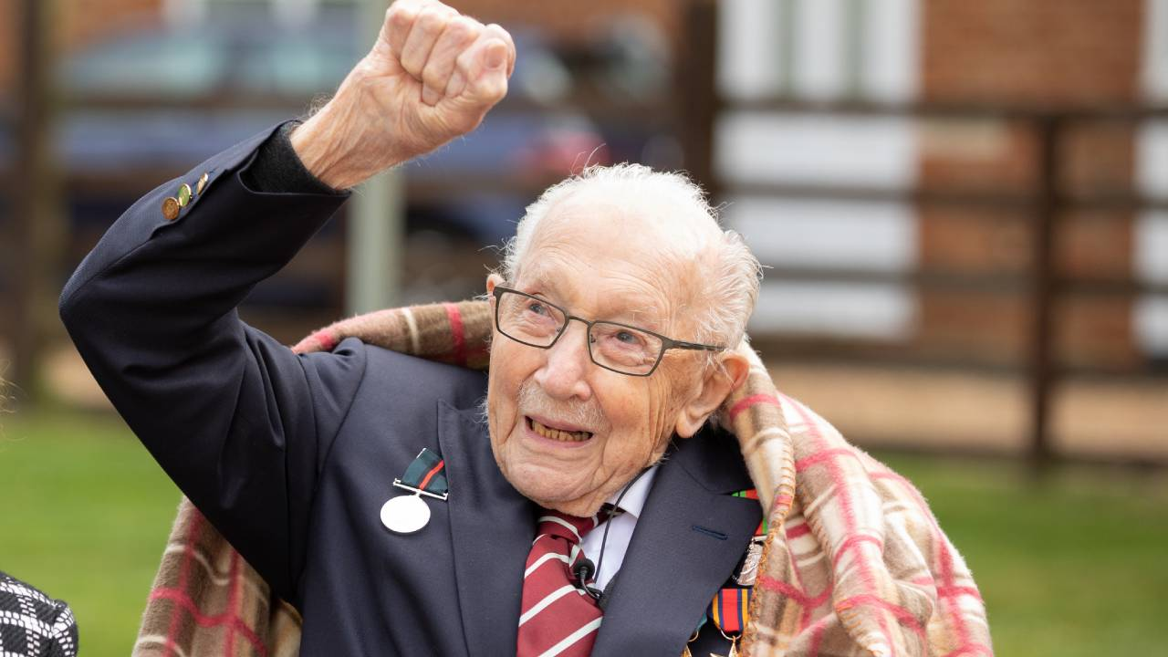 "Captain Sir Tom Moore makes a pledge to ""help the lonely"""