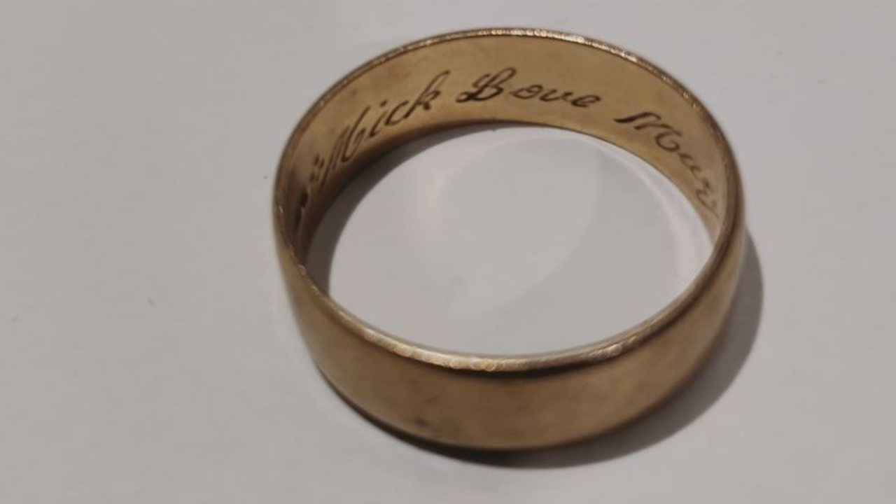 Lost wedding ring looking for its owner 20 years later