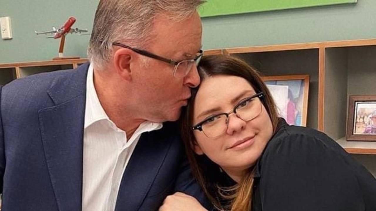 """Anthony Albanese staffer quits after """"defamatory attack"""""""
