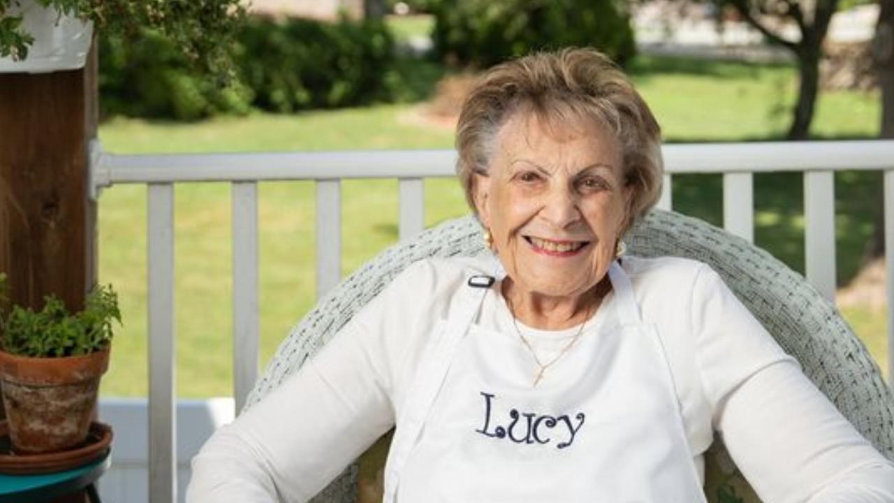 Beloved 98-year-old grandma turned Facebook chef dies of coronavirus