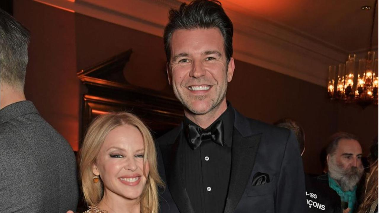 Kylie Minogue jets home to Australia for very special reason