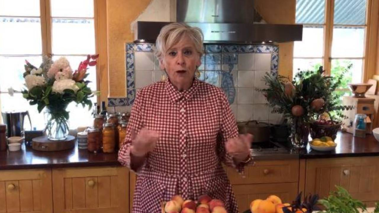 """Maggie Beer warns fans of """"despicable"""" scam"""