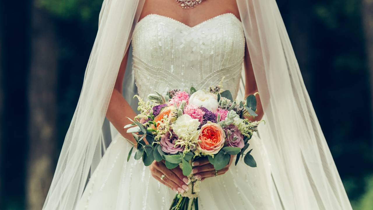 """""""This is just theft"""": Bride's disgust over wedding act"""