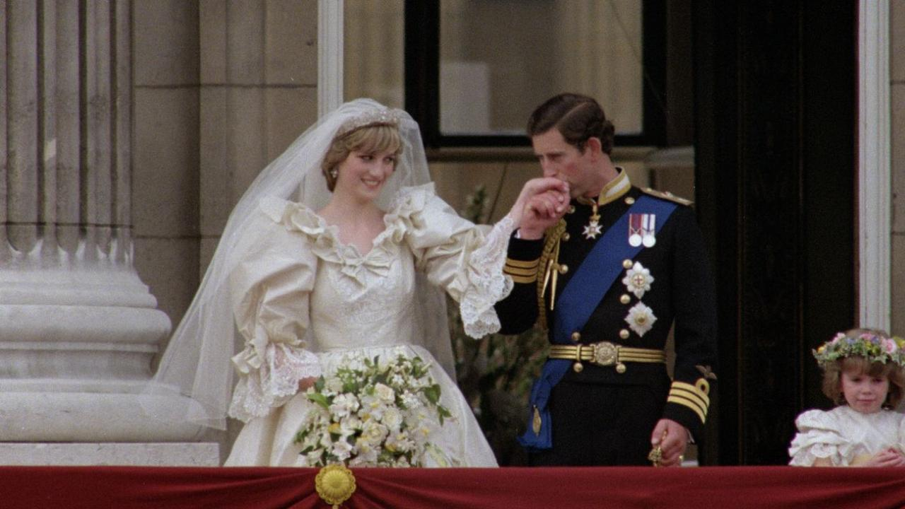 Slice of Charles and Di's wedding cake goes under the hammer