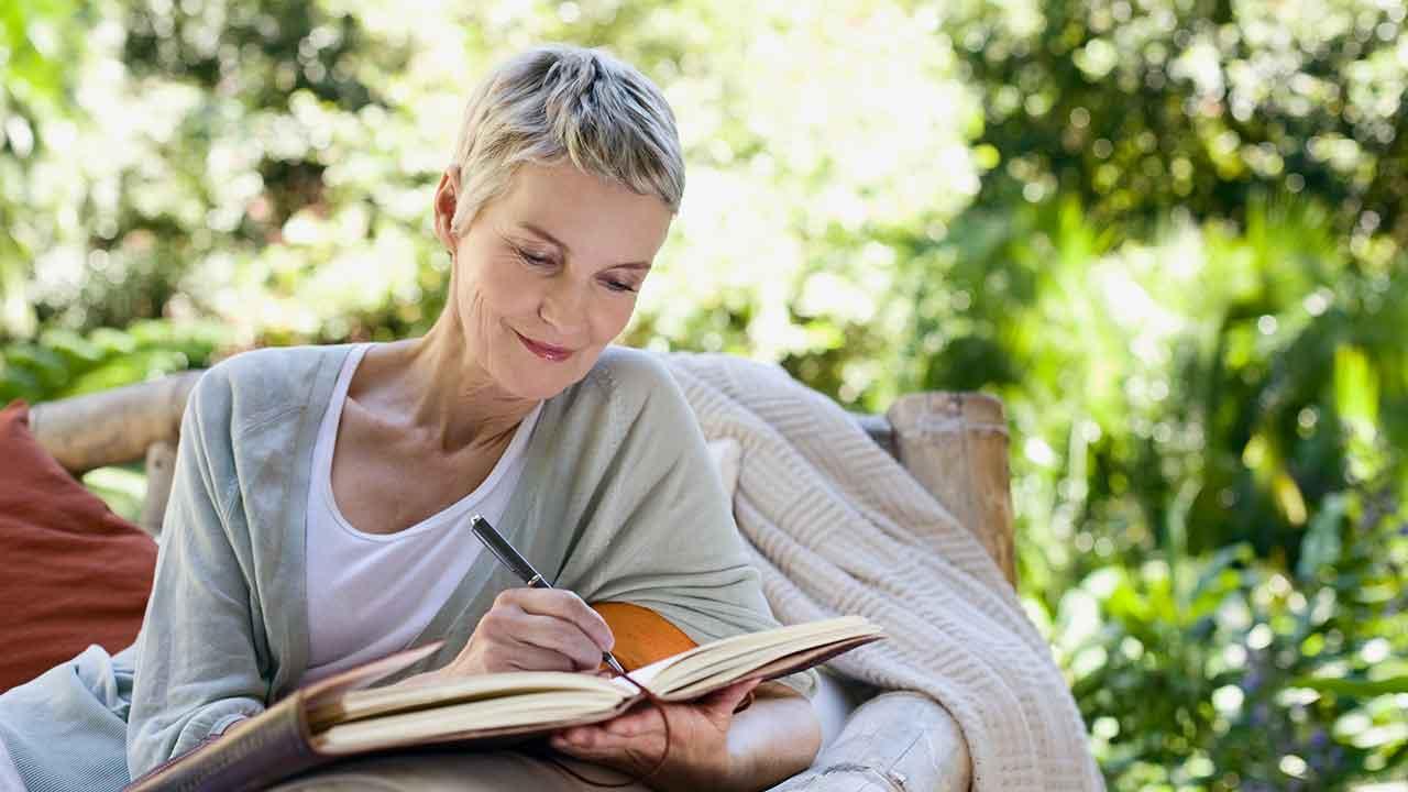 Four ways to improve health through journalling