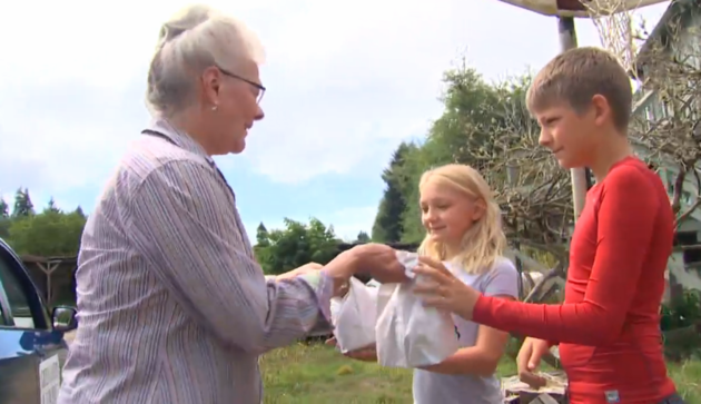 Retired great-grandma feeds less-fortunate kids